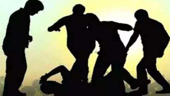 बेरहमी से पीट-पीटकर युवक की हत्या, तीन नामजद पर हत्या का आरोप