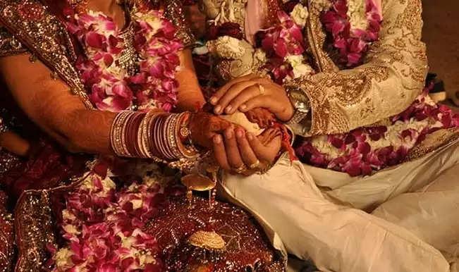 वित्तमंत्री को मिले मुआवजे से होगी गरीब बेटियों की शादी, आगजनी और तोड़फोड़ के बाद मिला था मुआवजा