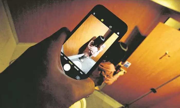 हनीट्रैप: हरियाणा में महिलाओं ने व्यक्ति की अश्लील वीडियो बना मांगे लाखों रूपये, ऐसे हुआ मामले का खुलासा