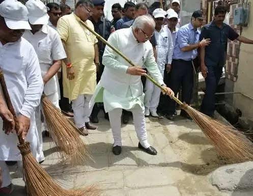 गांव-गांव स्वच्छता अभियान चलाएगी मनोहर सरकार, चार लाख लोग लेंगे हिस्सा