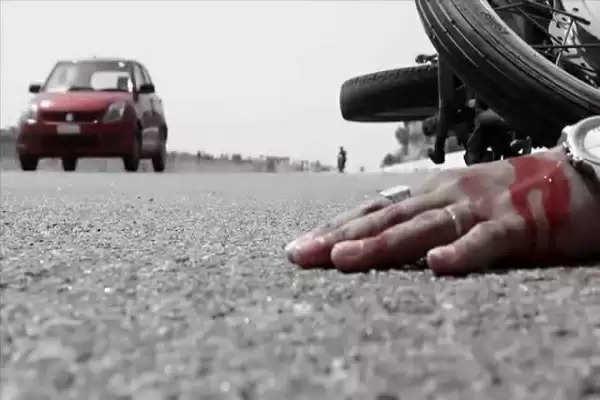 दर्दनाक हादसा: तेज रफ्तार ट्रक ने बाइक सवार पिता-पुत्र को मारी टक्कर, दोनों की मौके पर ही मौत