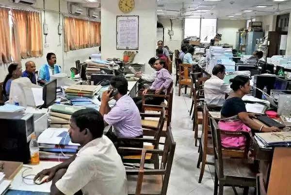 1.5 करोड़ कर्मचारियों को मोदी सरकार का तोहफा, इस भत्ते का राशि को किया गया दोगुना