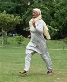 75 साल की म्हारी दादी मलेशिया में दौड़ेगी