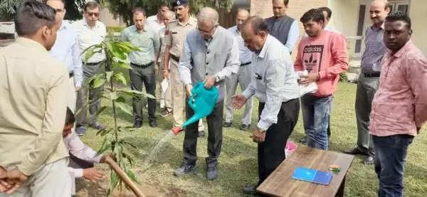 प्रदेश में पर्यावरण को बढावा देने के लिए किया जाएगा परम्परागत ऊर्जा का प्रयोग: डी.एस.ढेसी
