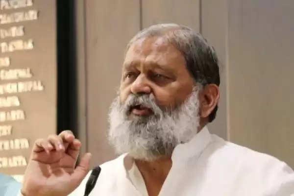 गांधी ट्रस्ट की जांच करने के दिए आदेश, सरकारी अस्पतालों को ही देंगे प्लाजमा- विज