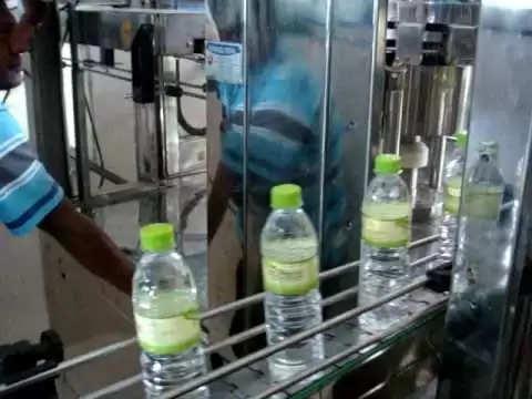 बोतलबंद पानी कंपनियां कमा रही हैं अरबो रुपए,सरकार को नही देती कुछ भी
