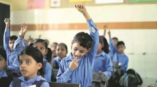 करीब 12 लाख बच्चों को राहत, अस्थाई स्कूलों को मिली एक साल की एक्सटेंशन