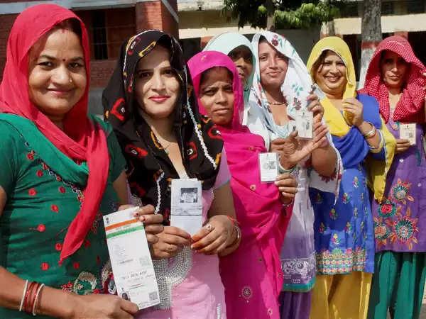 ग्रामीण महिलाओं के लिए ऐतिहासिक फैसला, पंचायतों में 50 फीसदी पद आरक्षित