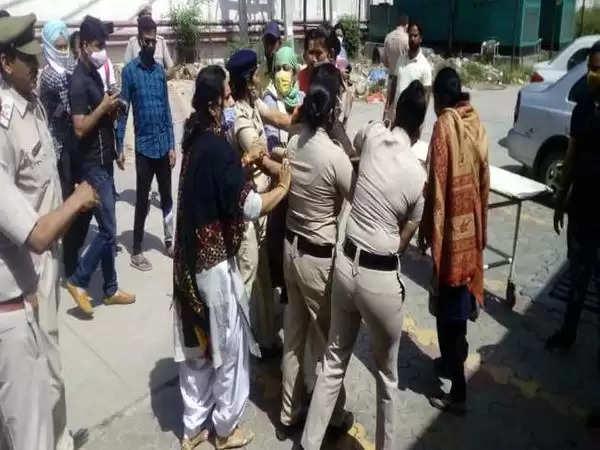 करनाल में एक शव के लिए पुलिस से भिड़ी दो महिलाएं, जानिए क्या है पूरा मामला ?