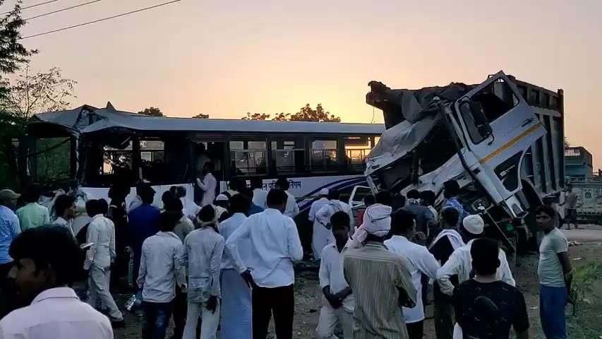राजस्थान रोडवेज बस और डंपर की भीषण टक्कर, हादसे में दो की मौत, 34 घायल